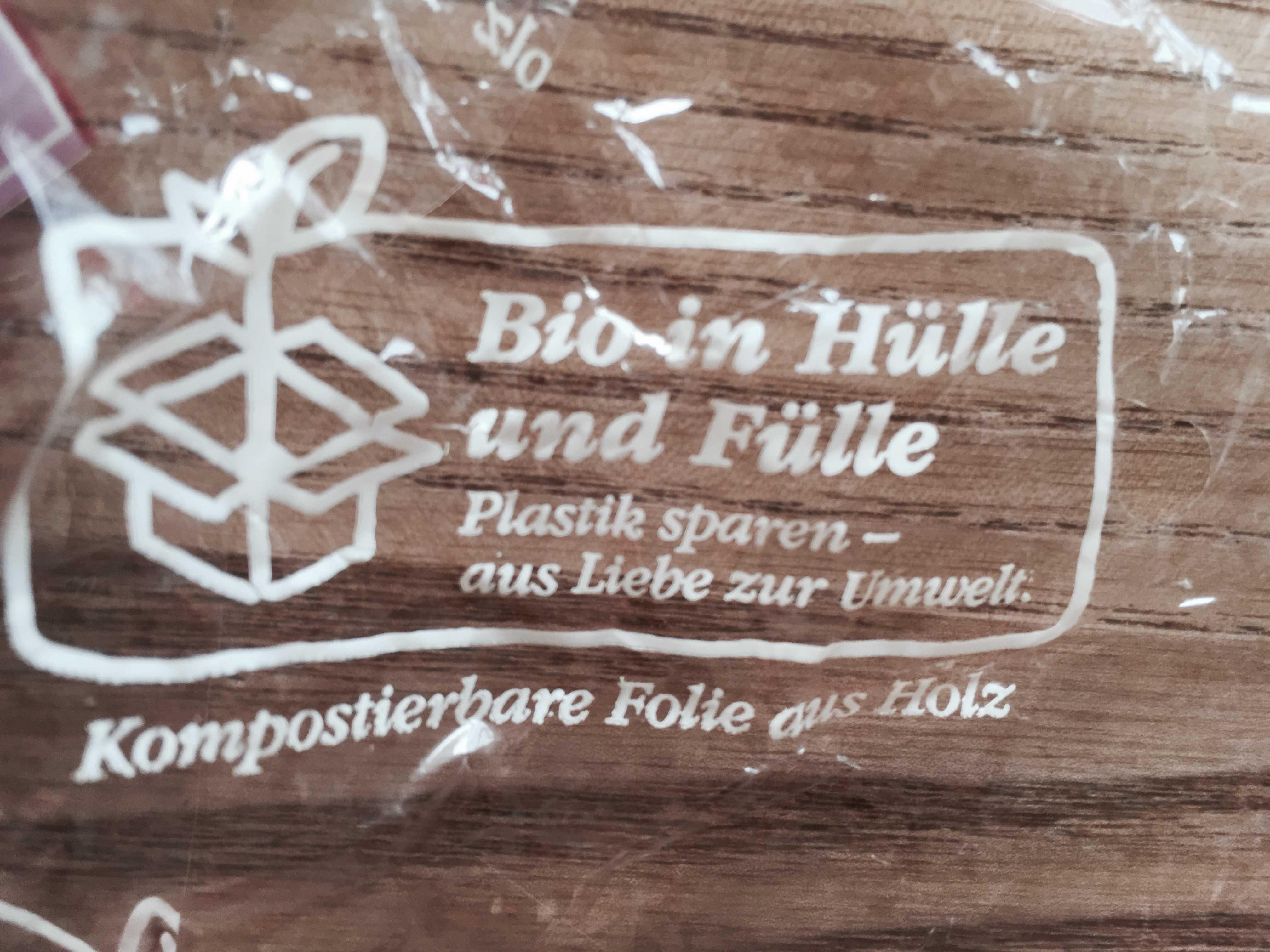 Bio in Hülle und Füle _ Kompostierbare Folie aus Holz