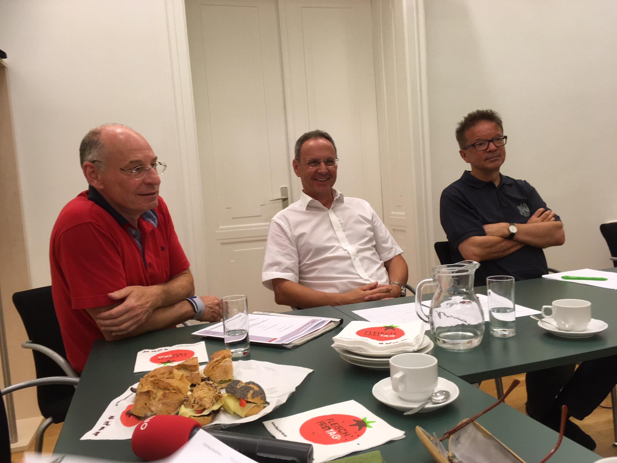 DI Thomas Anderer und Bgm. Roland Wohlmuth, Landesabfallverband, LR Rudi Anschober